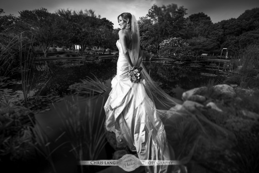 Art of Black & White Bridal Photography | Black & White Bridal ...