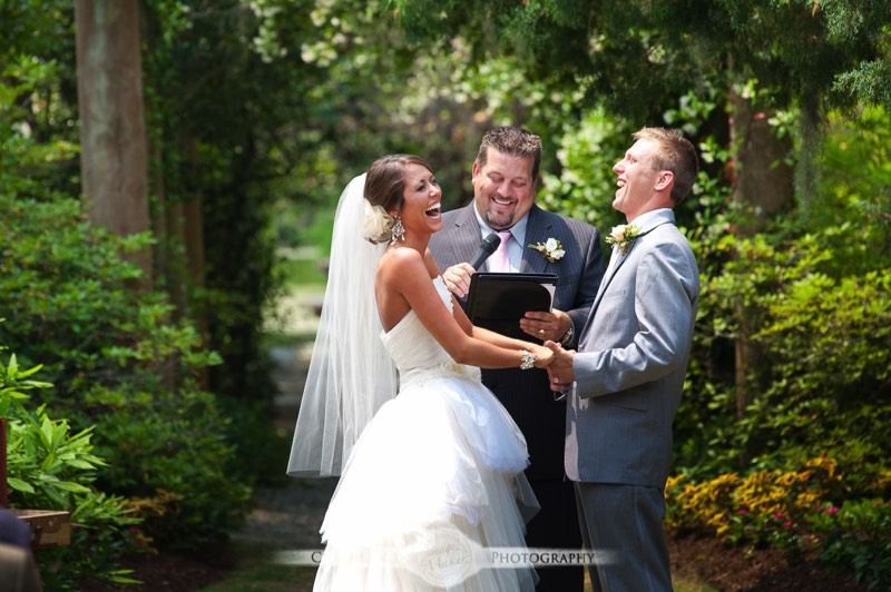 Wedding Photography Photojournalistic Style: An Unobtrusive Approach To