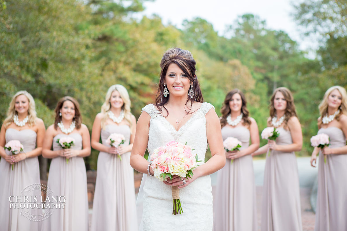 Bridesmaids Flowers And Dresses Bridal Party Photos Groomsmen Photography